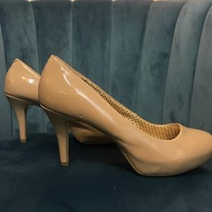 Steve Madden Shoes - Madden Girl Nude Pumps